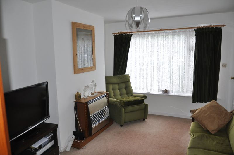 4 bed house for sale in Victoria Close  - Property Image 6