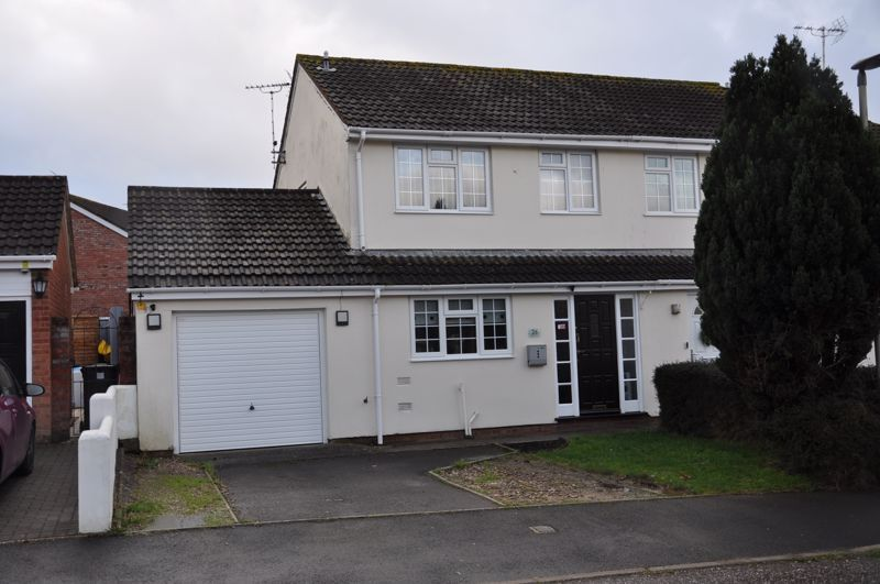 3 bed house for sale in Cross Close, EX31