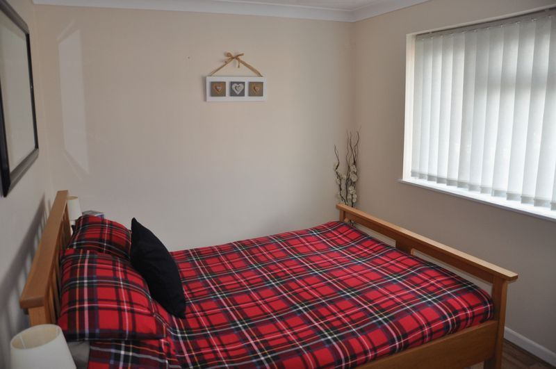 3 bed house for sale in Cross Close 11