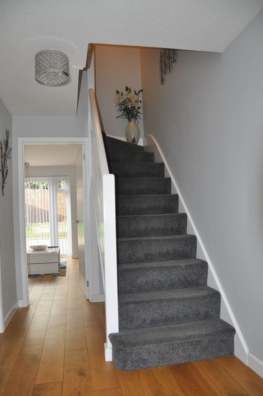 3 bed house for sale in Cross Close 9