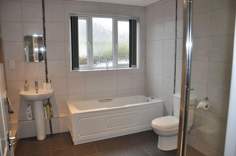 3 bed bungalow for sale in Clinton Road  - Property Image 7