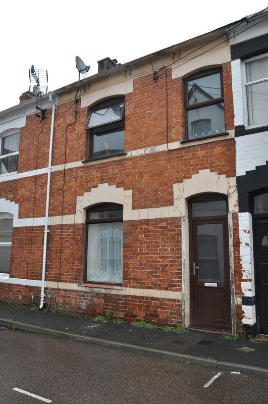 3 bed house for sale in Pulchrass Street - Property Image 1