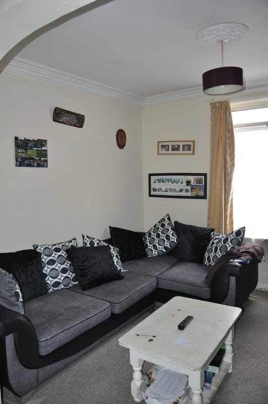 3 bed house for sale in Pulchrass Street  - Property Image 3
