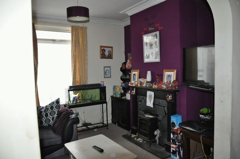 3 bed house for sale in Pulchrass Street  - Property Image 6