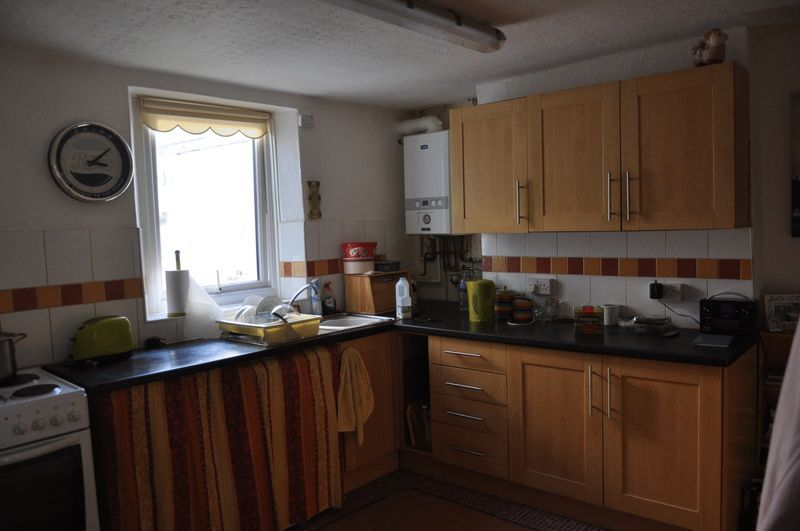 2 bed house for sale in Coldharbour 2