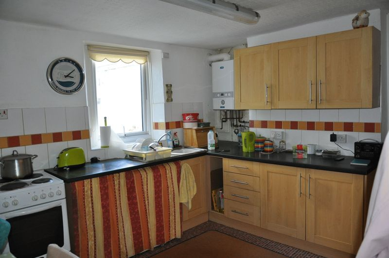 2 bed house for sale in Coldharbour 3