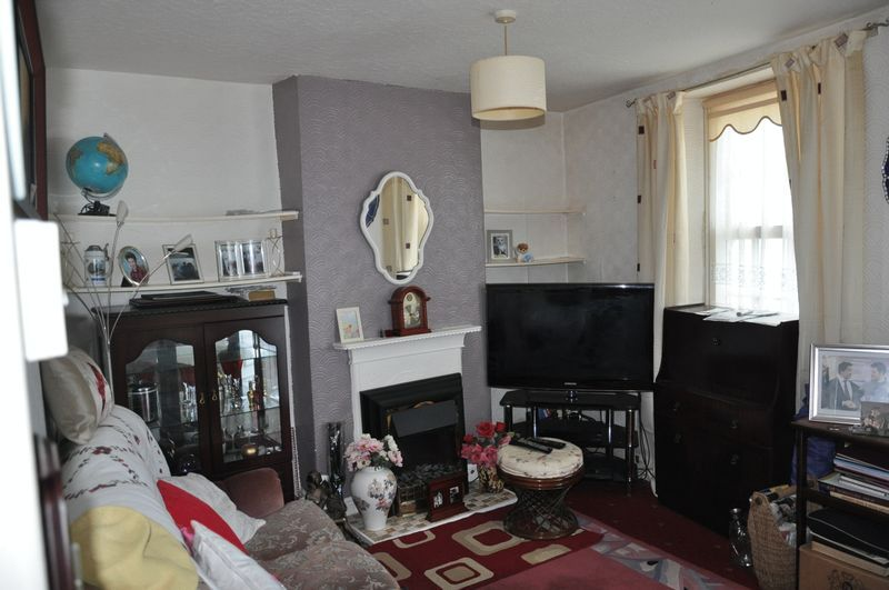 2 bed house for sale in Coldharbour 4