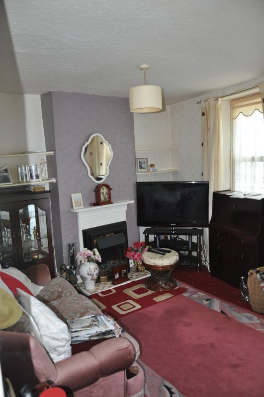 2 bed house for sale in Coldharbour 5
