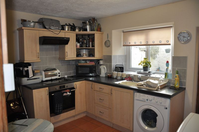 2 bed house to rent in Honestone Street 4