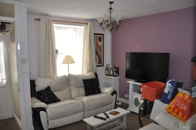 2 bed house to rent in Honestone Street 5