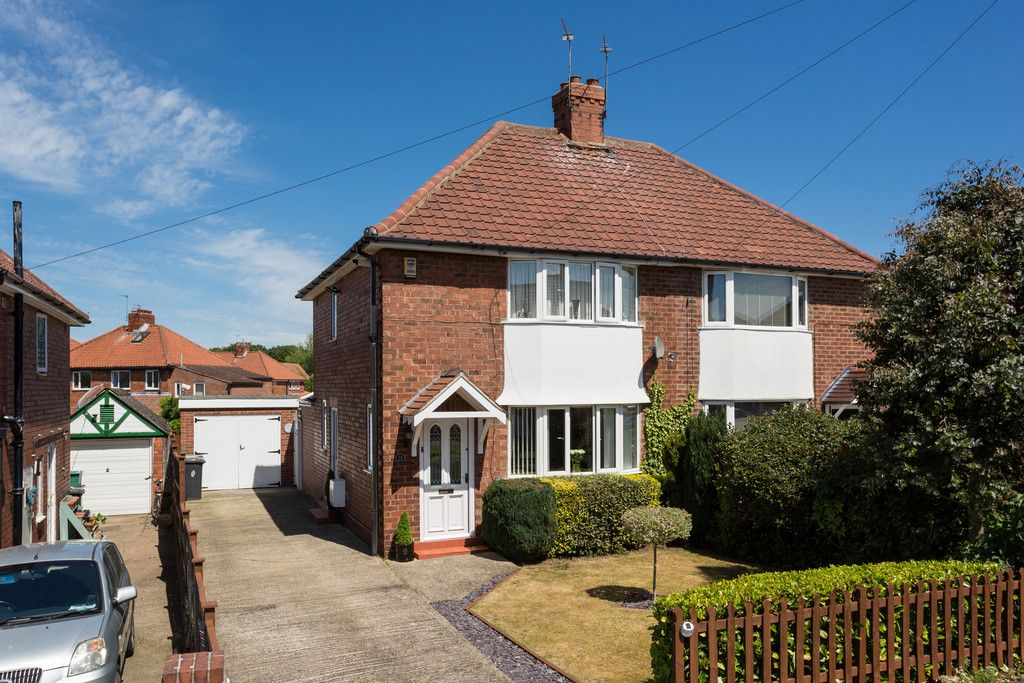 2 bed house for sale in Shirley Avenue, York 1
