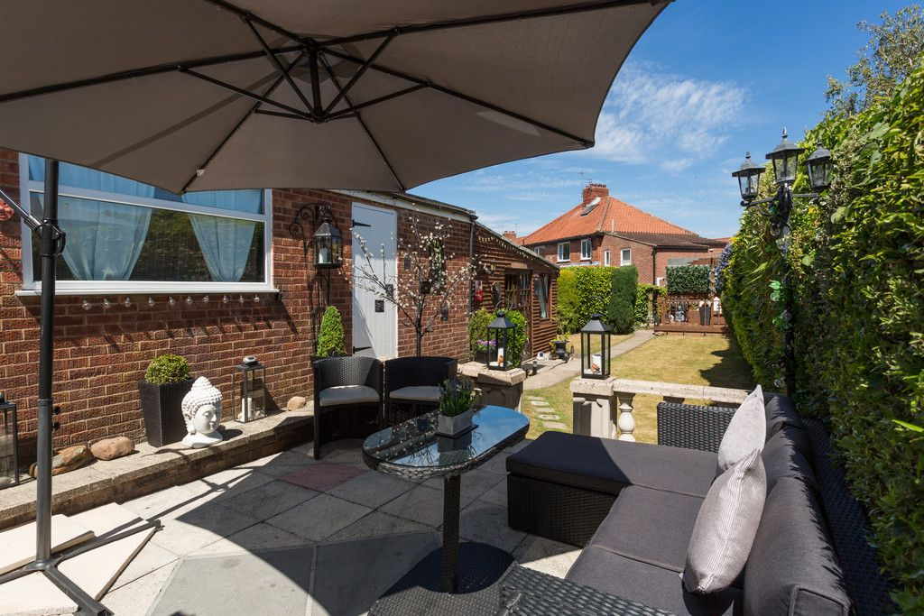 2 bed house for sale in Shirley Avenue, York 2