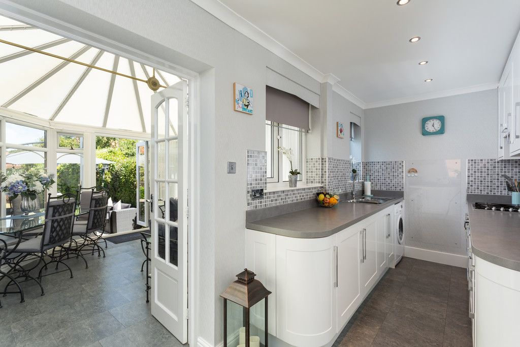 2 bed house for sale in Shirley Avenue, York 3