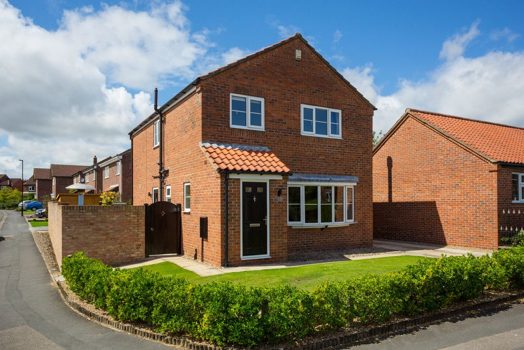 4 bed house for sale in Main Street, Copmanthorpe, York - Property Image 1