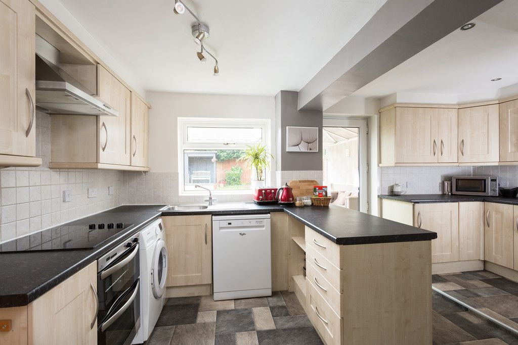 4 bed house for sale in Sawyers Crescent, Copmanthorpe, York  - Property Image 6