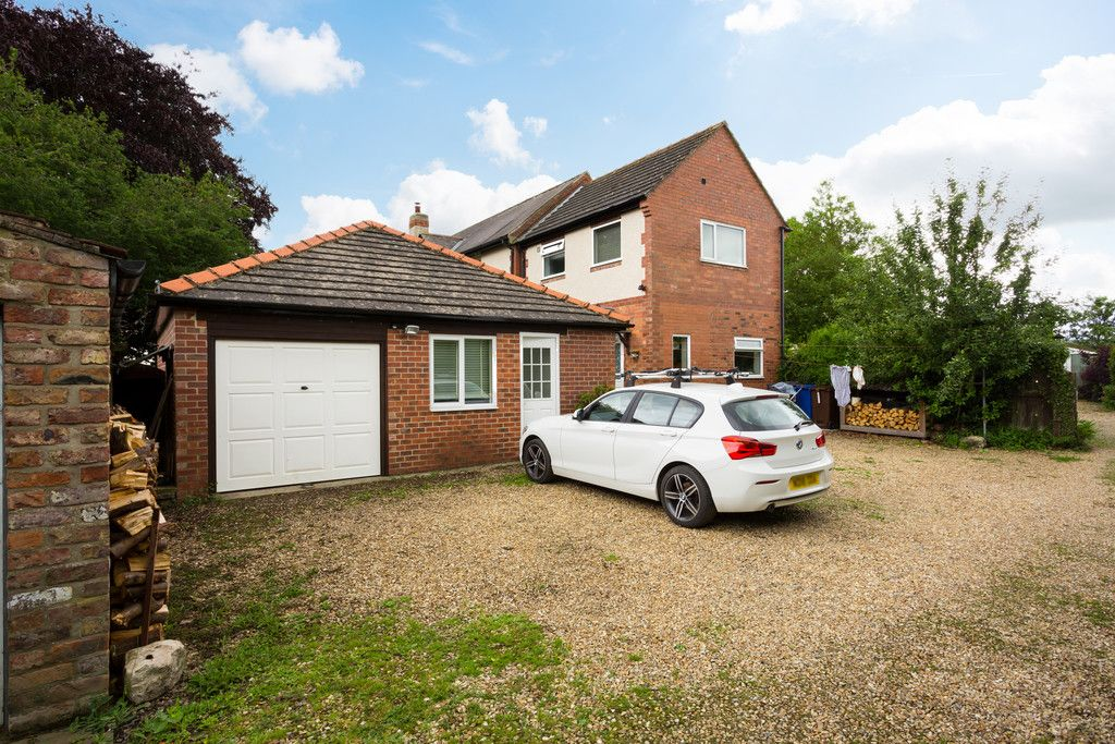 4 bed house for sale in York Road, Tadcaster  - Property Image 17