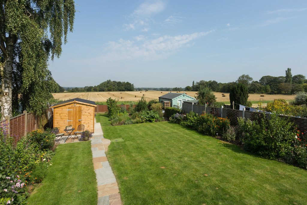 4 bed house for sale in Back Lane, Bilbrough, York 18