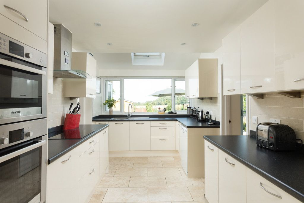 4 bed house for sale in Back Lane, Bilbrough, York  - Property Image 3