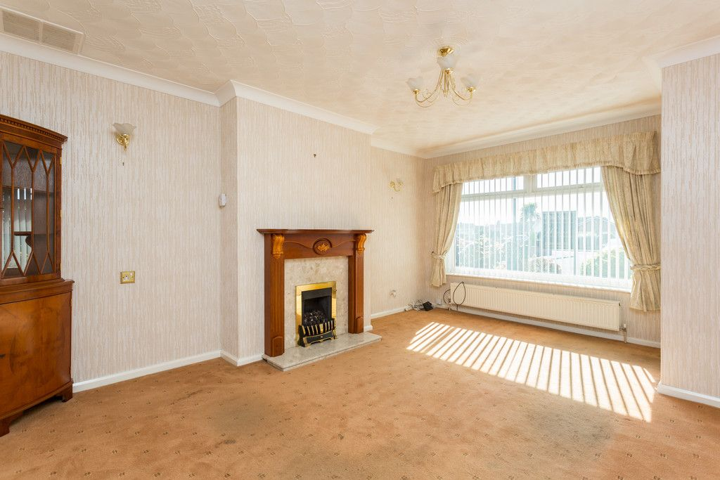 2 bed bungalow for sale in Hillcrest, Tadcaster 2