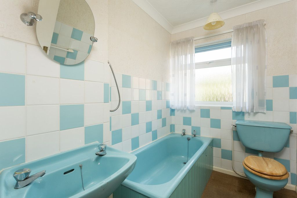 2 bed bungalow for sale in Hillcrest, Tadcaster  - Property Image 7