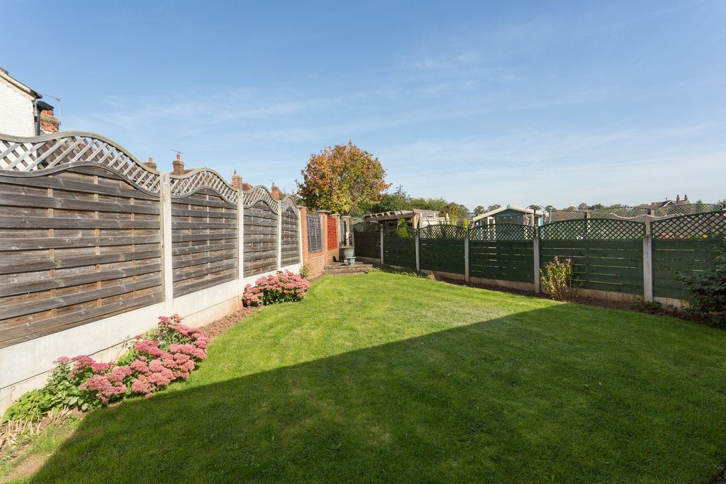 2 bed bungalow for sale in Hillcrest, Tadcaster  - Property Image 9