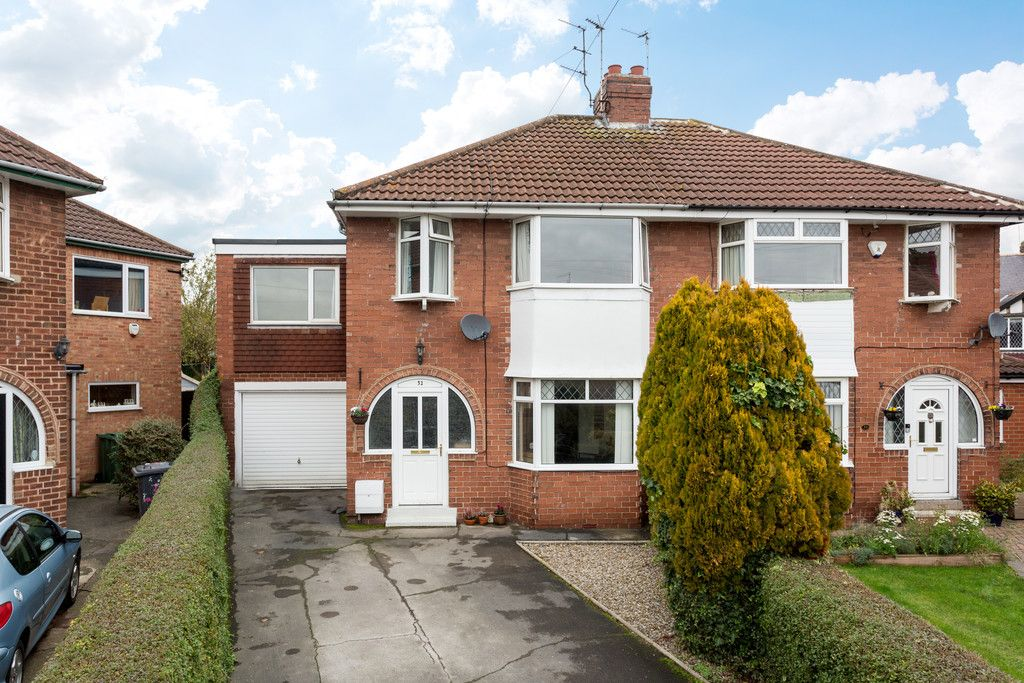 5 bed house for sale in Calcaria Road, Tadcaster - Property Image 1