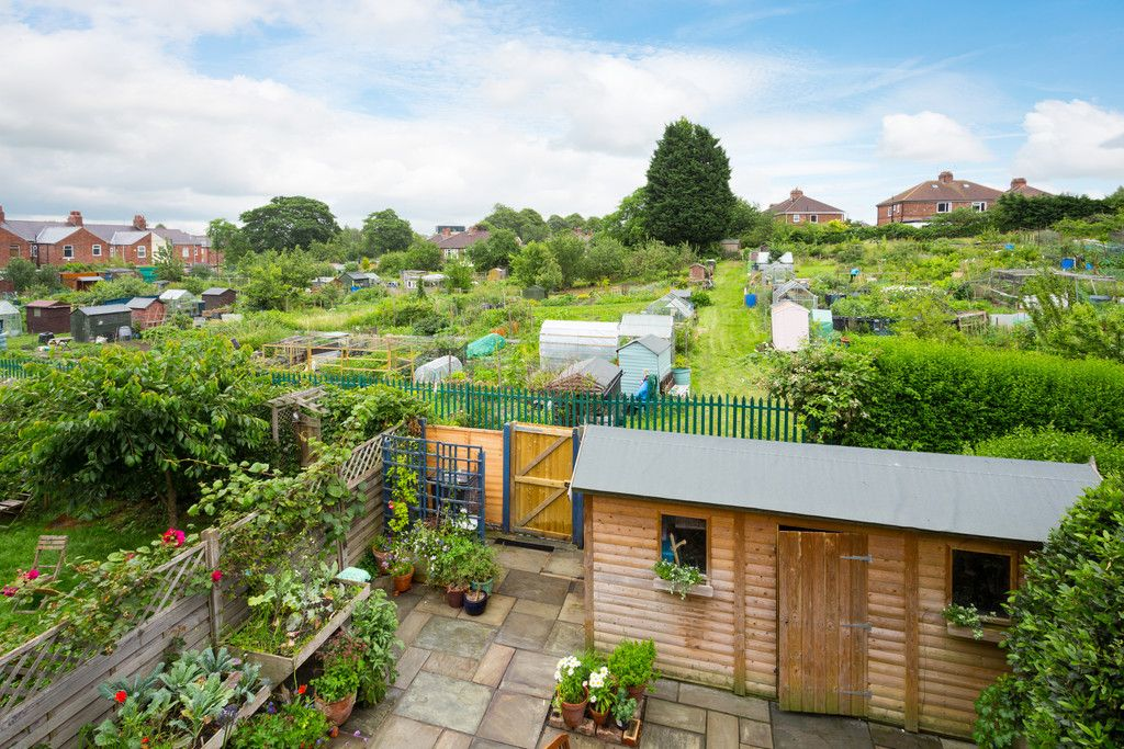 3 bed house for sale in Howe Hill Road, York  - Property Image 2