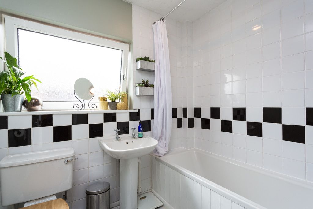 3 bed house for sale in Howe Hill Road, York  - Property Image 11