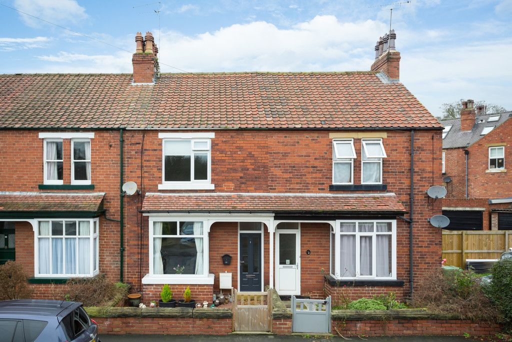 2 bed house for sale in Stutton Road, Tadcaster  - Property Image 1
