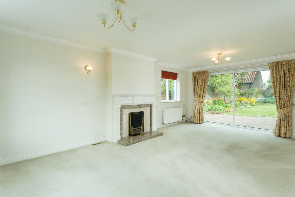 3 bed bungalow for sale in York Road, Acomb, York  - Property Image 2