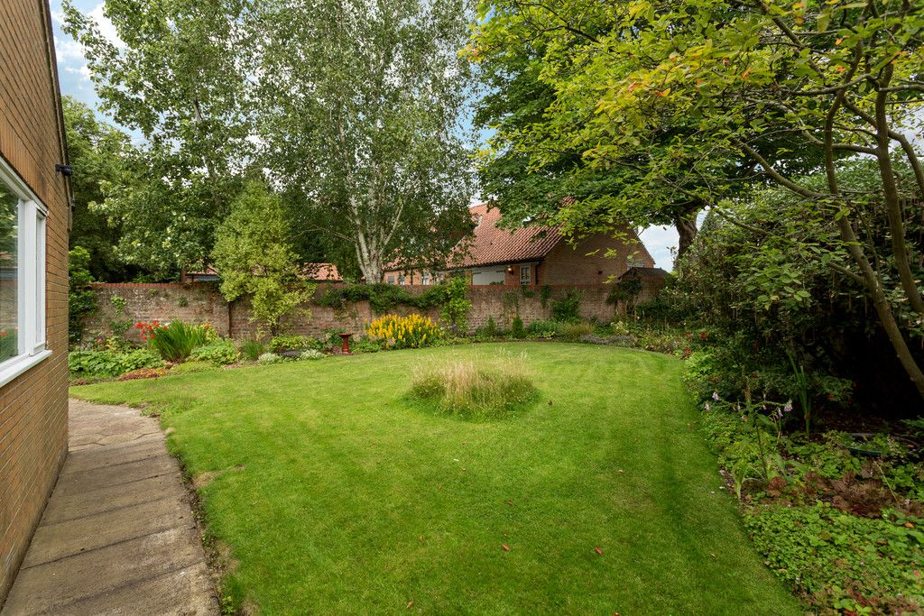 3 bed bungalow for sale in York Road, Acomb, York 3
