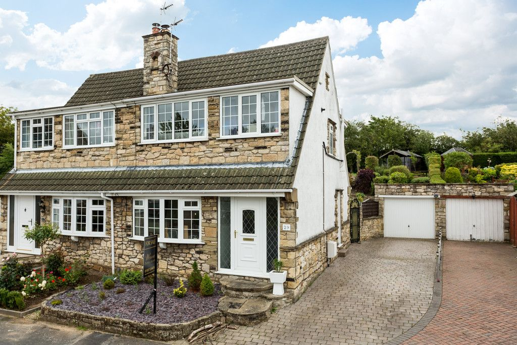 3 bed house for sale in The Fairway, Tadcaster 1
