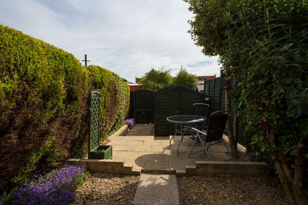 2 bed house for sale 10