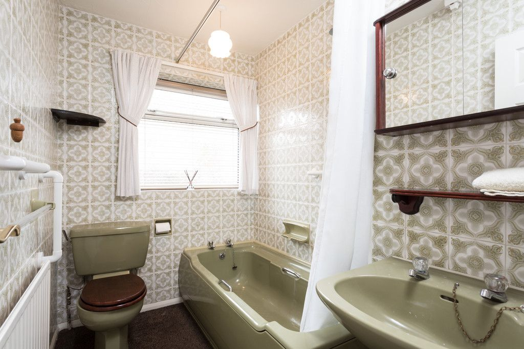 3 bed bungalow for sale  - Property Image 6