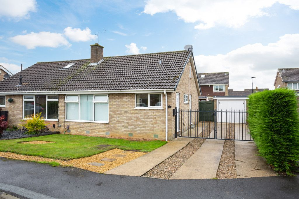 3 bed bungalow for sale in Wordsworth Crescent, York, YO24