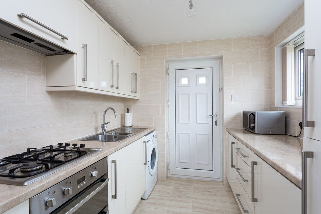 3 bed bungalow for sale in Wordsworth Crescent, York 2