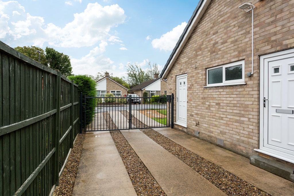 3 bed bungalow for sale in Wordsworth Crescent, York  - Property Image 14