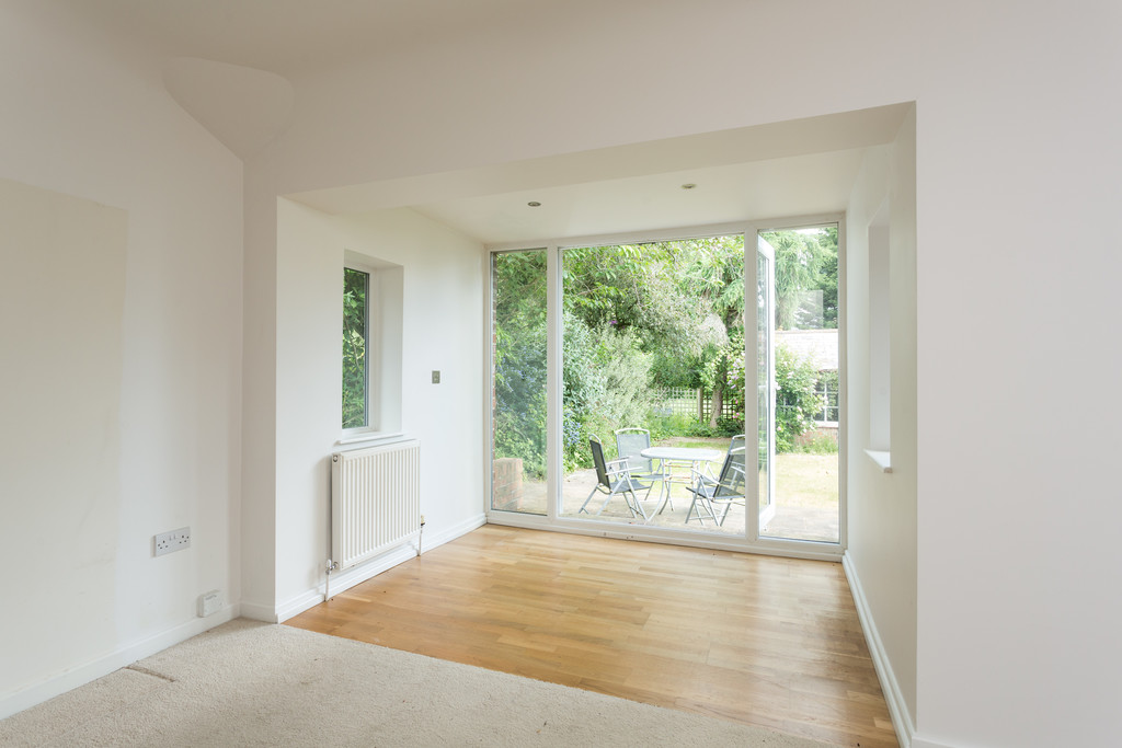 2 bed bungalow for sale in Middlethorpe Grove, York  - Property Image 10