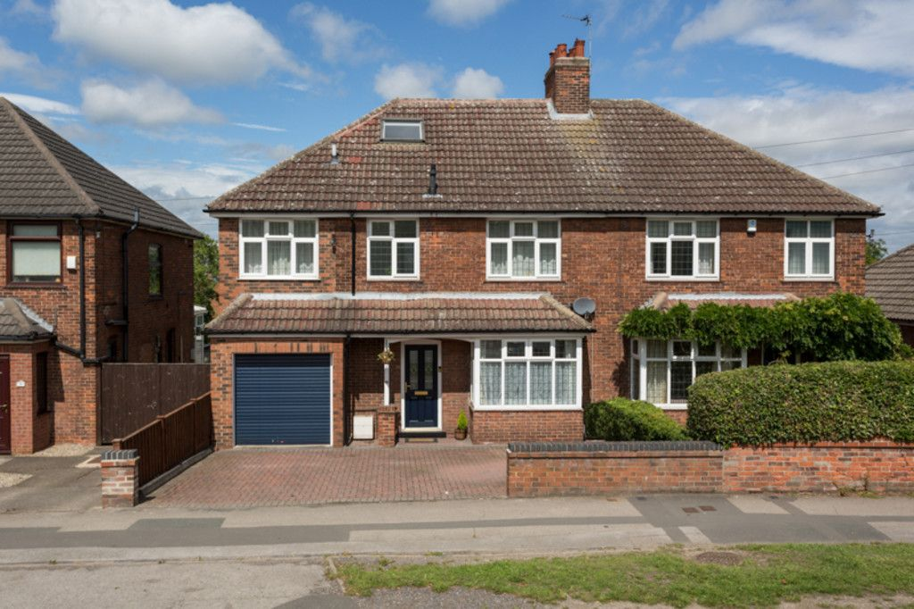 6 bed house for sale  - Property Image 1