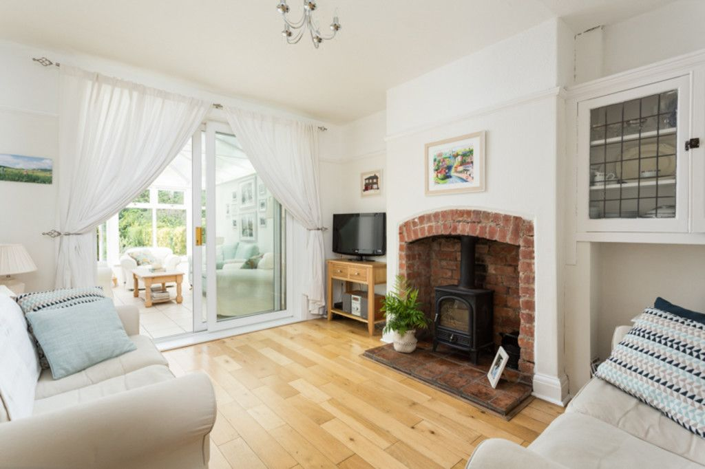 6 bed house for sale  - Property Image 2