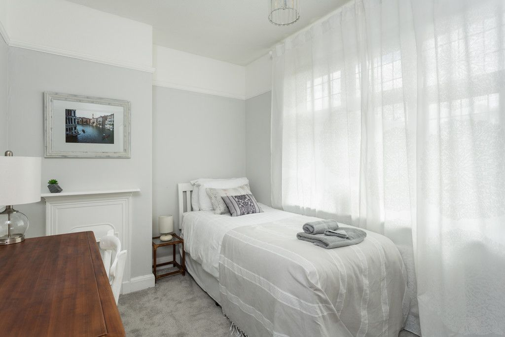 6 bed house for sale  - Property Image 14