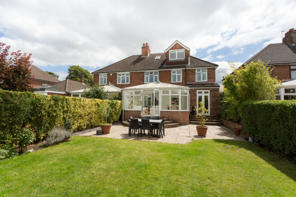 6 bed house for sale  - Property Image 10