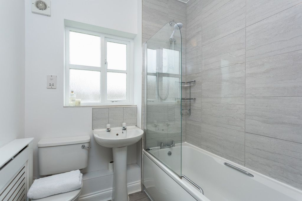 3 bed house for sale in Moorland Gardens, Copmanthorpe, York 7