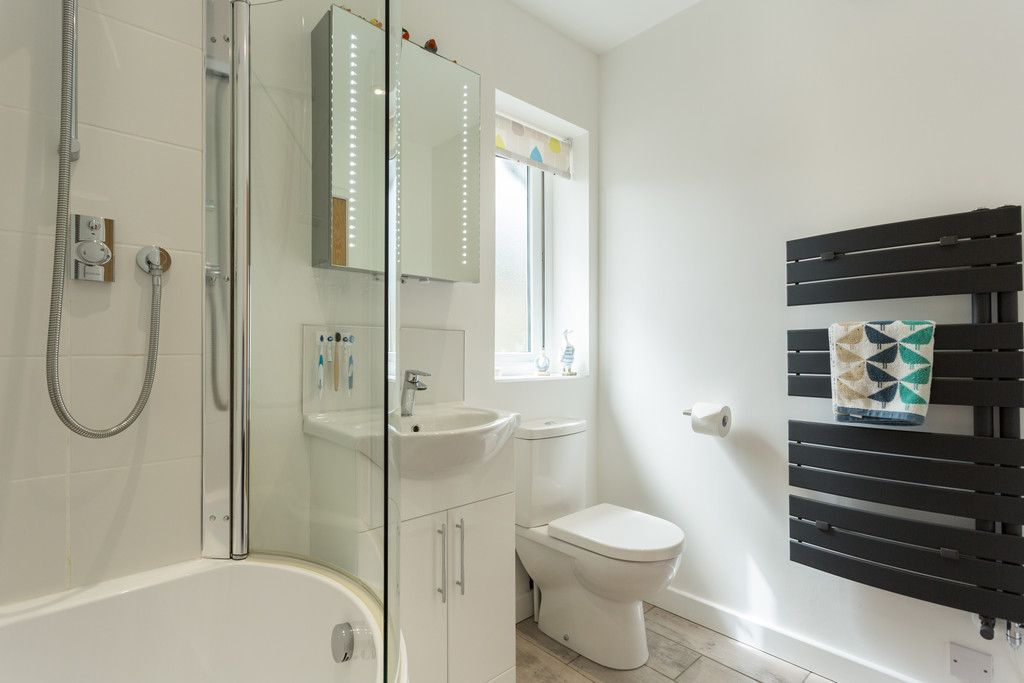 3 bed house for sale in Howe Hill Road, York 11