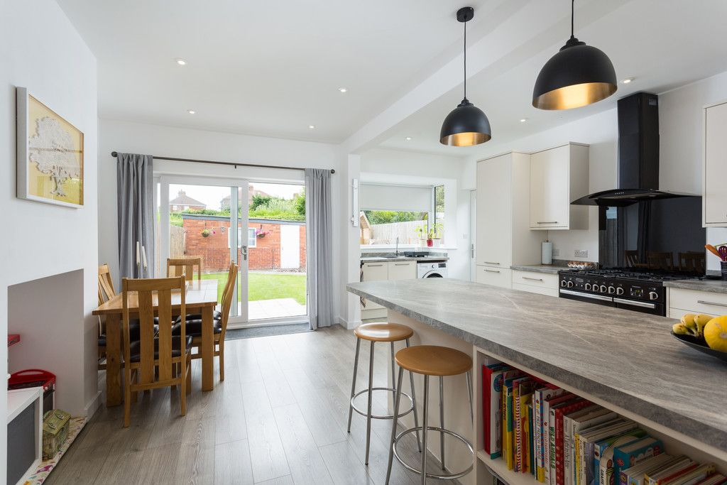 3 bed house for sale in Howe Hill Road, York 6