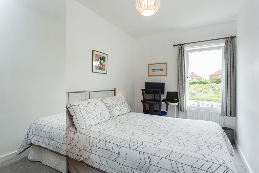 3 bed house for sale in Howe Hill Road, York 9