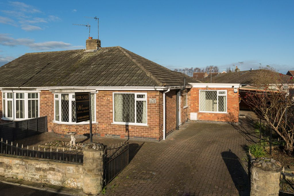 3 bed bungalow for sale in Hawthorn Spinney, York 15