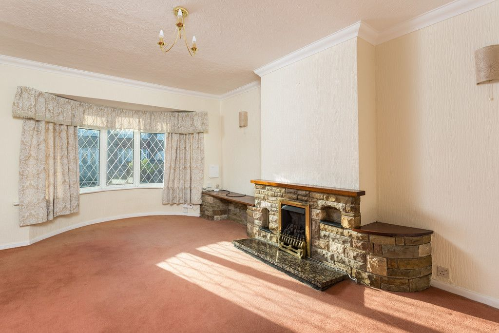3 bed bungalow for sale in Hawthorn Spinney, York  - Property Image 3