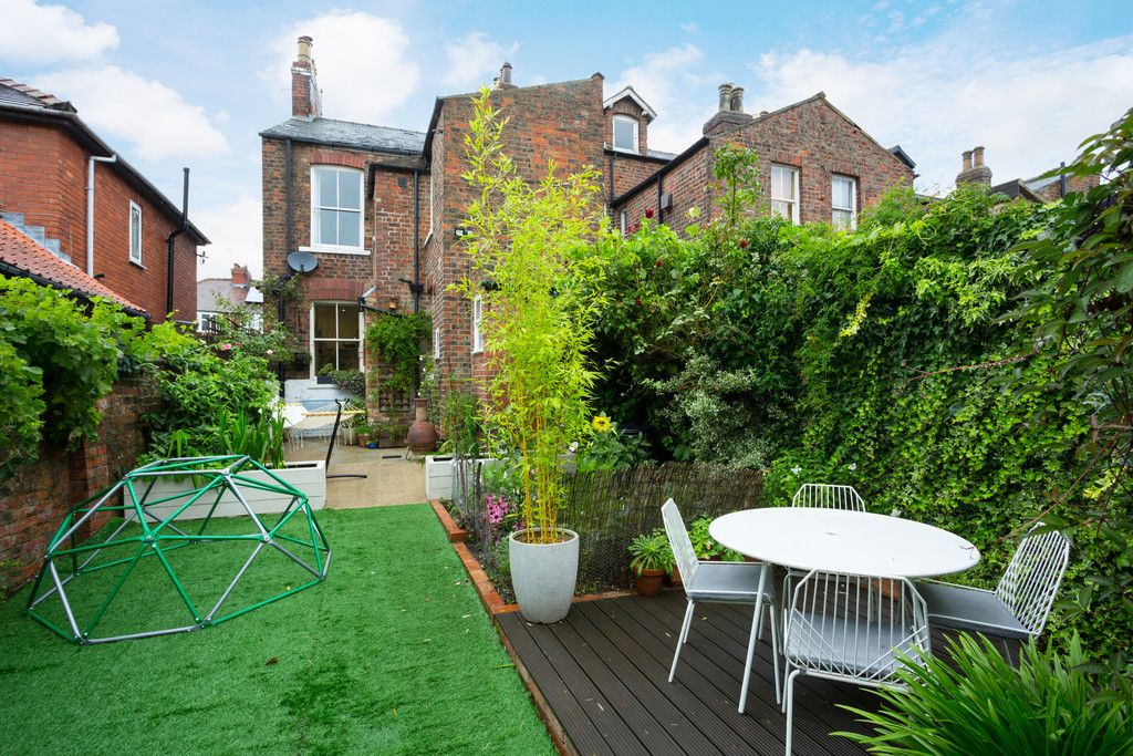 3 bed house for sale in Wilton Rise, York 9