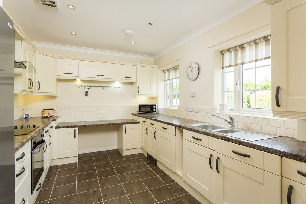2 bed bungalow for sale in Church Lane, Wheldrake  - Property Image 6